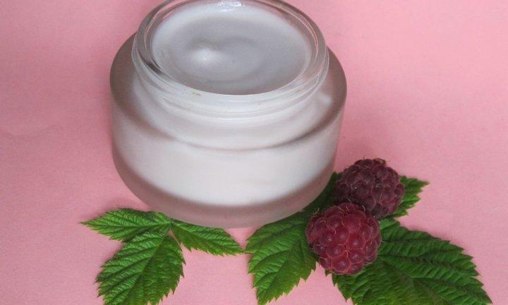 Что входит в состав крема для замедления роста волос?