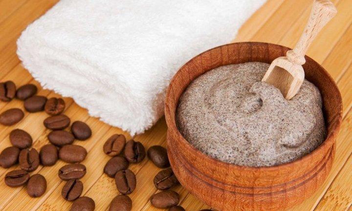 Молотый кофе и сахар
