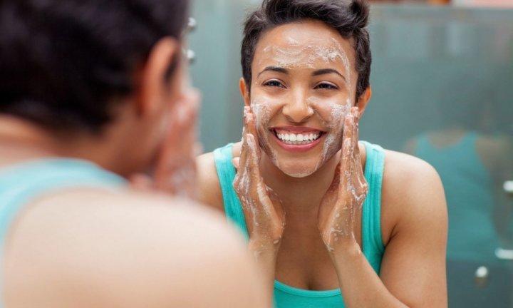 Как действует сода и соль на кожу лица?