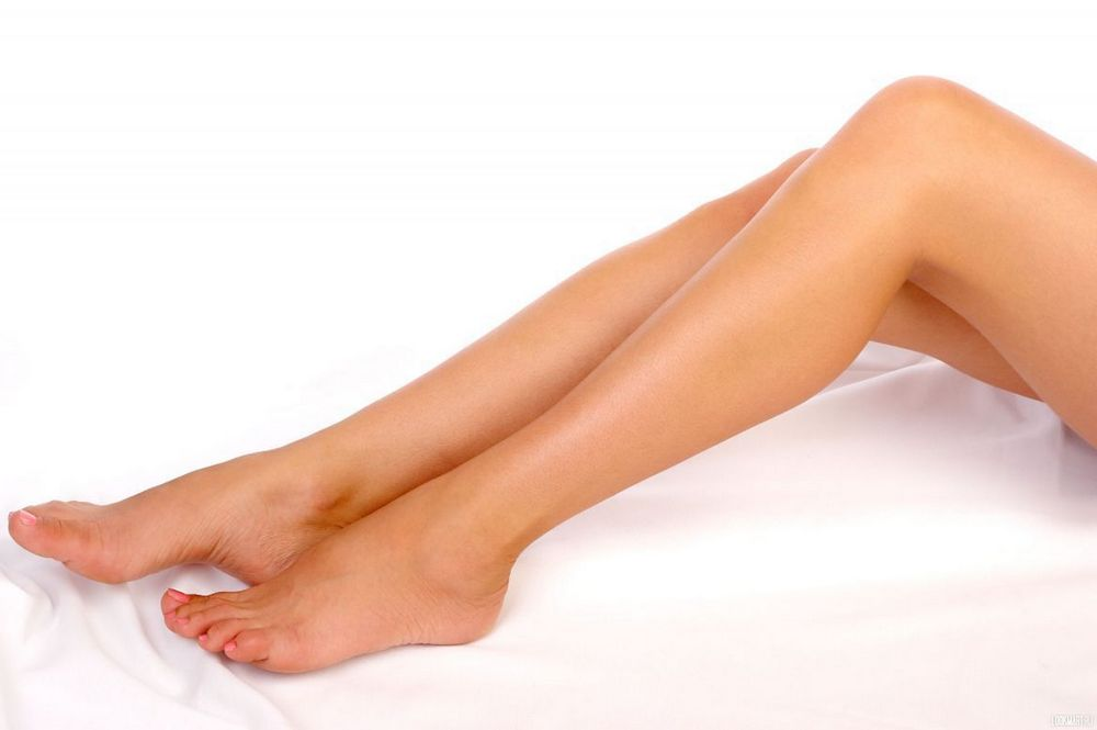 Во сколько лет можно брить ноги?